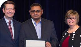 Professor Parbudyal Singh receiving HRPA's Distinguished Human Resources Professional Award | photo | 2018-04-23